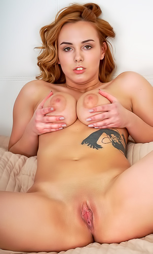 Kayly Redbird loves making her pussy cum